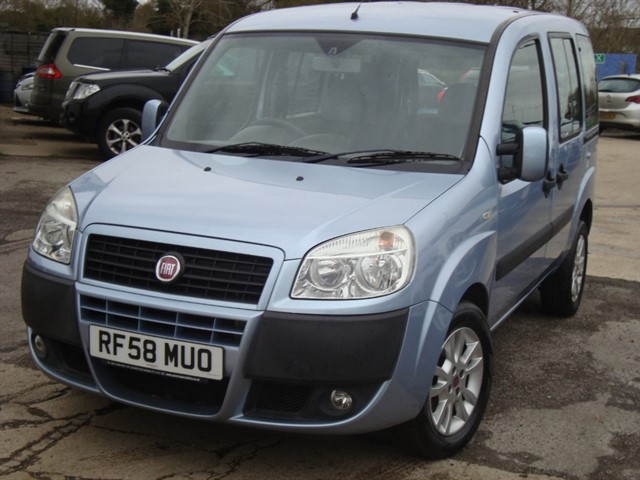 used Fiat Doblo 8V DYNAMIC H/RWHEELCHAIR ACCESSIBLE VEHICLE in oxford