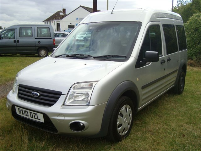 used Ford Tourneo connect wheelchair accessible vehicle in oxford