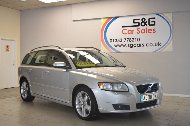 used Volvo V50 D5 SE 2.4 diesel in ely-cambridgeshire