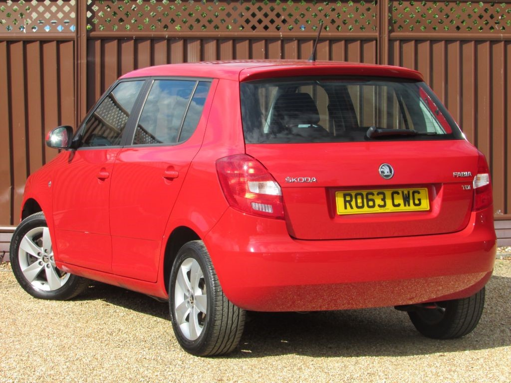 skoda fabia in ely cambridgeshire compucars. Black Bedroom Furniture Sets. Home Design Ideas