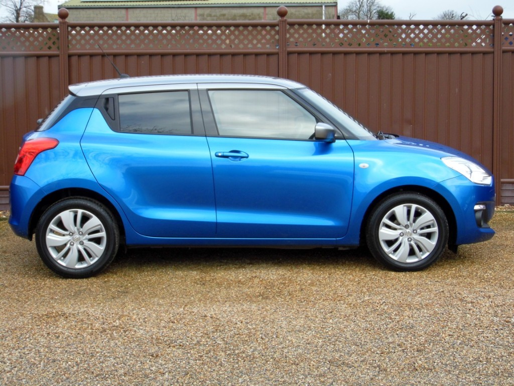Used Speedy Blue Silver Roof Dual Tone Suzuki Swift For Sale