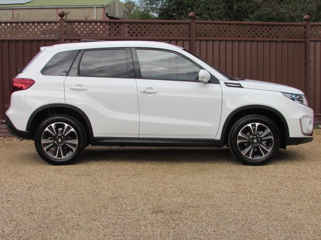 Used Superior White Suzuki Vitara For Sale Cambridgeshire