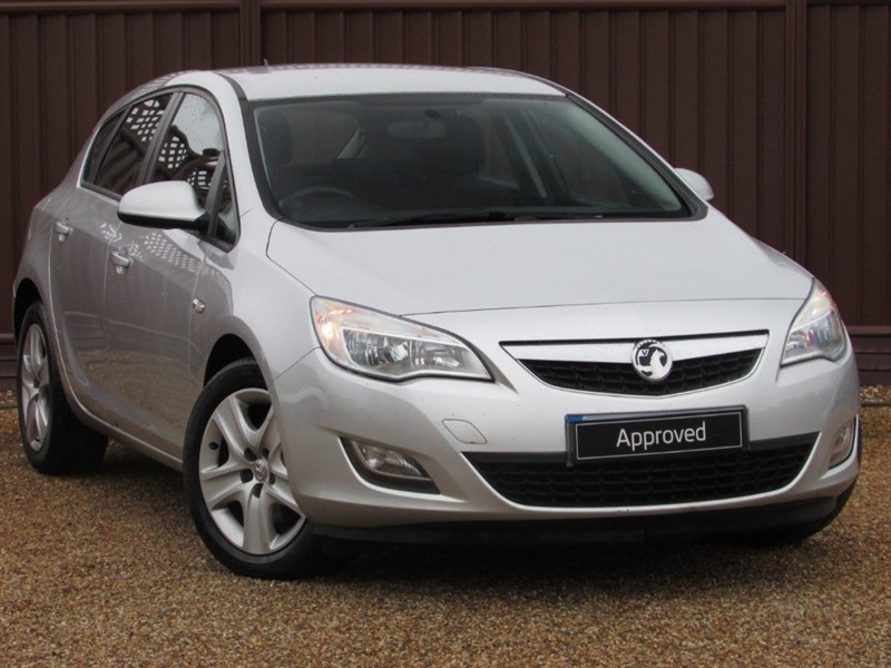 used Vauxhall Astra EXCLUSIV 1.7CDTI in ely-cambridgeshire