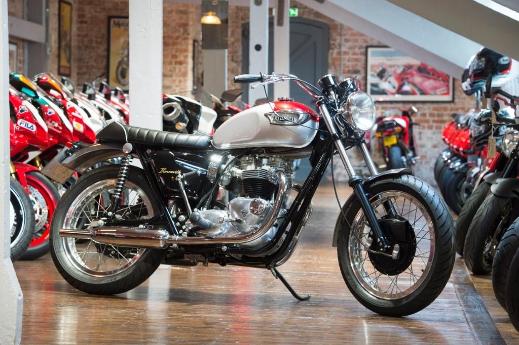 Triumph Bonneville T120r The Bike Specialists South Yorkshire