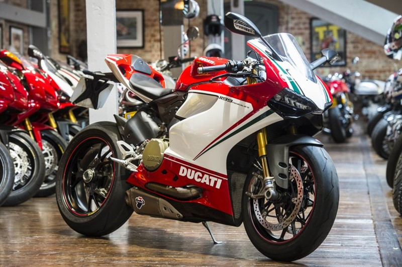 used Ducati 1199 Panigale S TRICOLORE - PRISTINE EXAMPLE in sheffield-for-sale