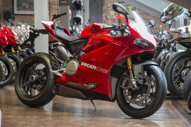 used Ducati 1199 Panigale R MARK 2 ONLY 249 MILES in sheffield-for-sale