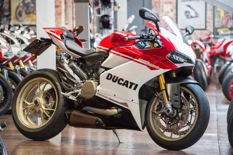 used Ducati 1299 Panigale S ANNIVERSARIO RARE LOW MILEAGE EXAMPLE in sheffield-for-sale
