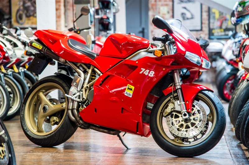used Ducati 748 BIPOSTO SUPERB EXAMPLE in sheffield-for-sale