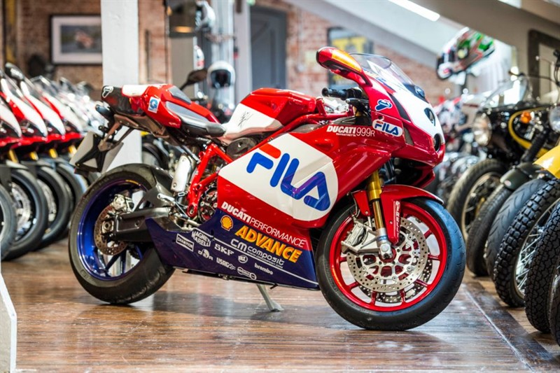 used Ducati 999 R FILA REPLICA NO: 200 Signed By James Toseland in sheffield-for-sale