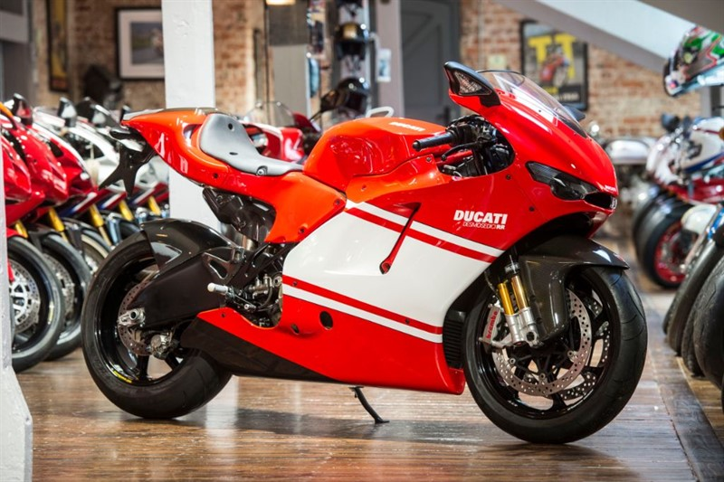 used Ducati DESMOSEDICI TEAM VERSION Number 659 of 1500 in sheffield-for-sale