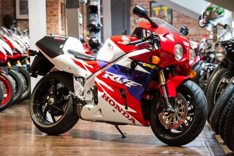 used Honda  RC45 ICONIC CLASSIC SIMPLY STUNNING in sheffield-for-sale