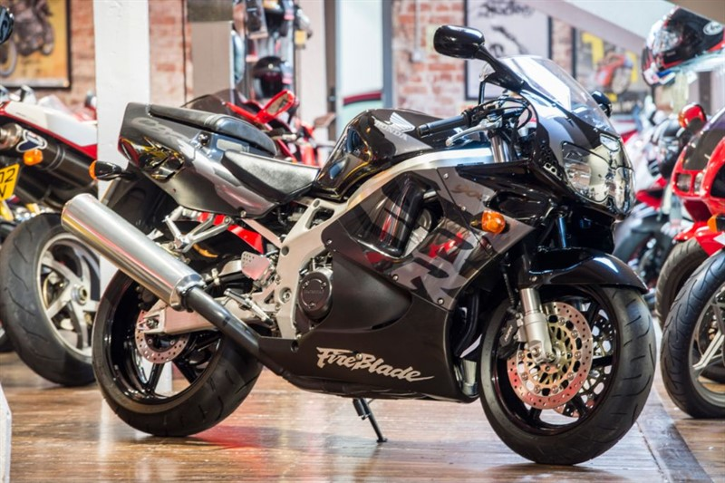 used Honda CBR 900 RR STUNNING EXAMPLE in sheffield-for-sale