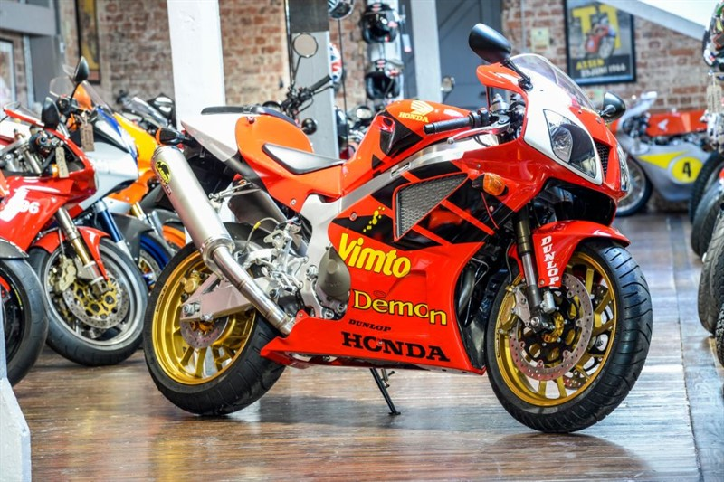used Honda VTR1000 SP1 JOEY DUNLOP REPLICA NUMBER 16 OF 26 in sheffield-for-sale