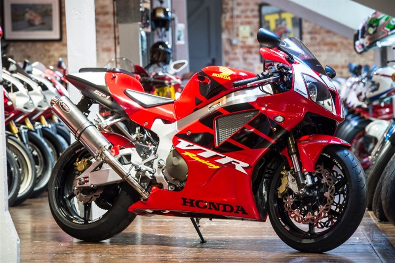 used Honda VTR1000 SP-1 STUNNING CONDITION in sheffield-for-sale