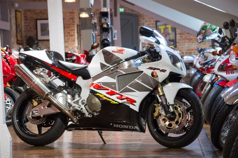 used Honda VTR1000 SP-2 SUPERB LOW MILEAGE EXAMPLE in sheffield-for-sale