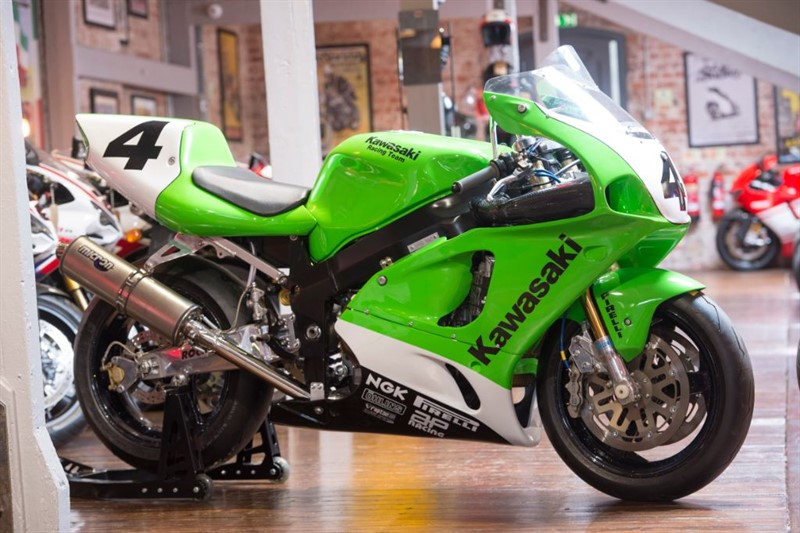 used Kawasaki ZX-7R RR Factory SP RACEBIKE BSB/TT CONCOURS RESTORATION in sheffield-for-sale