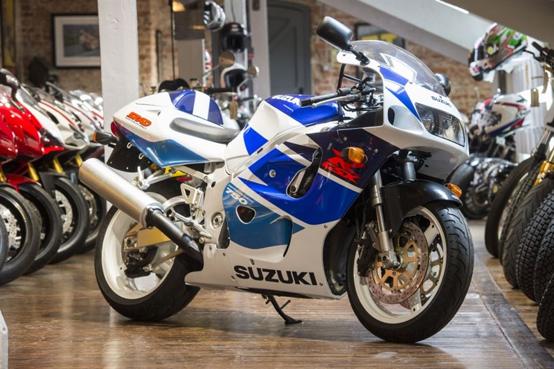 used Suzuki GSXR 750 WV SRAD - BRAND NEW OLD STOCK in sheffield-for-sale