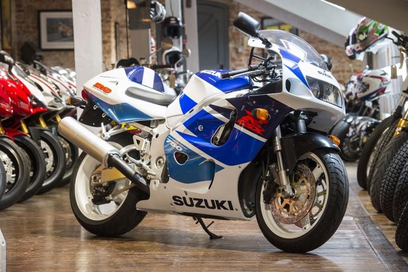 used Suzuki GSXR 750 WV SRAD - BRAND NEW OLD STOCK in sheffield-for-sale