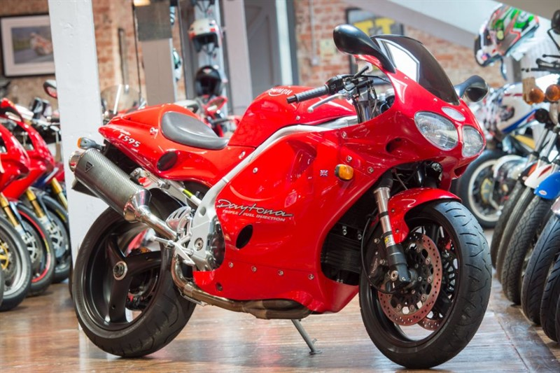 used Triumph Daytona T595 P/X TOO NICE TO TRADE in sheffield-for-sale