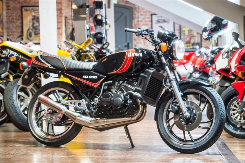 used Yamaha RD250 LC RETRO CLASSIC LOW MILES in sheffield-for-sale