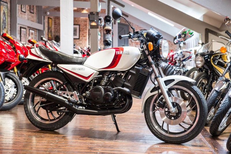 used Yamaha RD250 LC RARE INVESTMENT - NEW, OLD STOCK in sheffield-for-sale