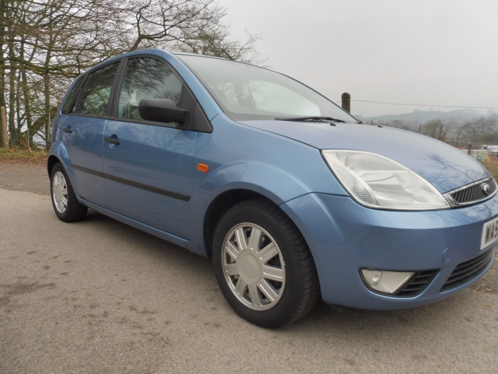 used Ford Fiesta 16V GHIA in derbyshire