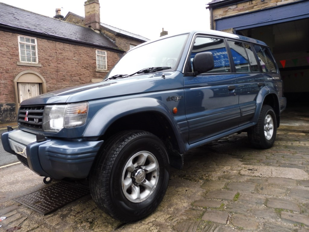 used Mitsubishi Shogun V6 24V LWB in derbyshire