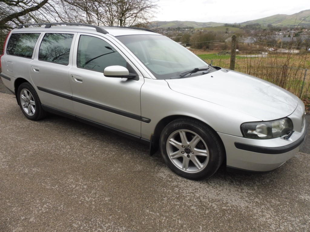 used Volvo V70 D5 S in derbyshire