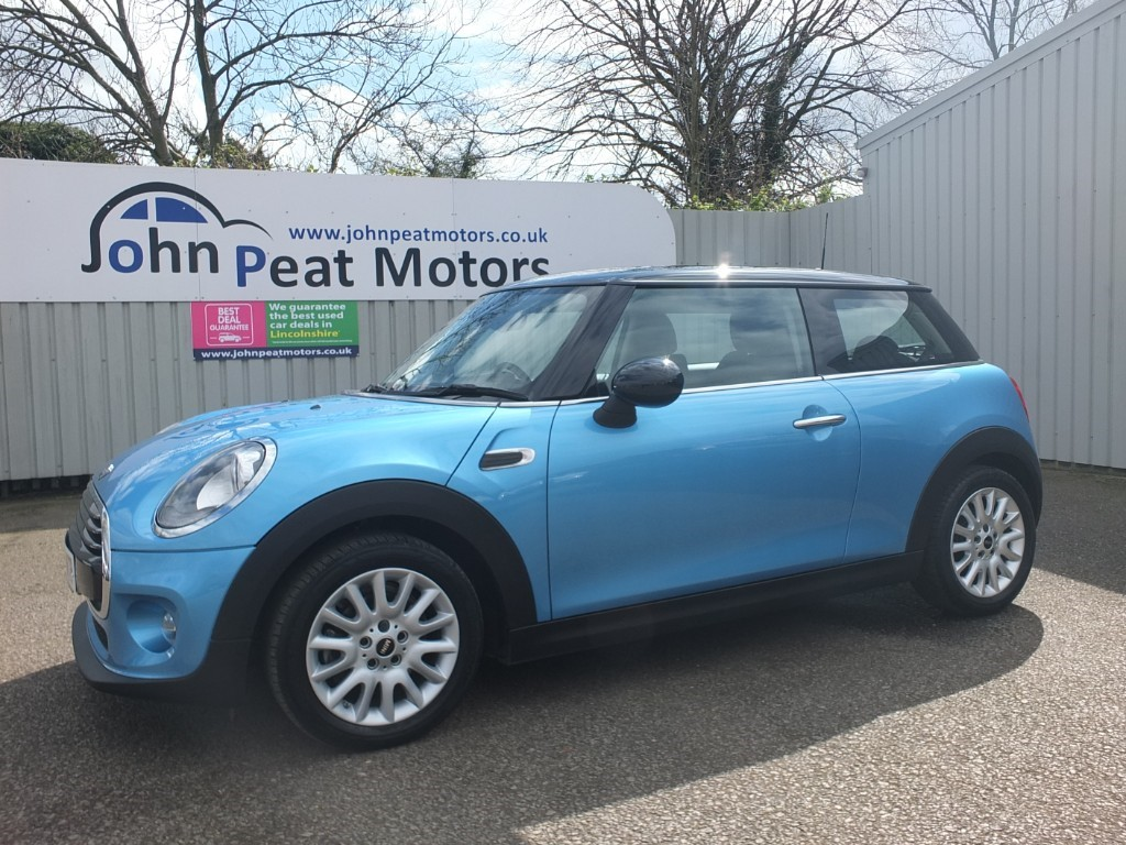 used MINI Cooper 1.5D Cooper 3dr Diesel Chili Pack