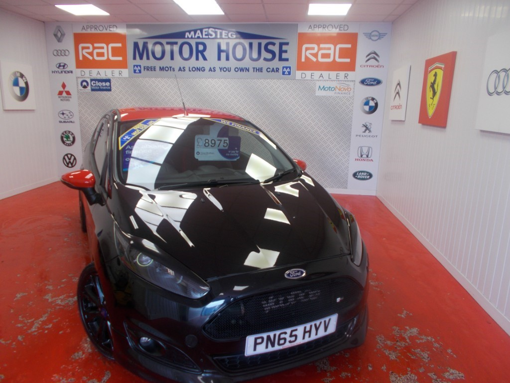 Used Red Over Black Ford Fiesta For Sale Glamorgan