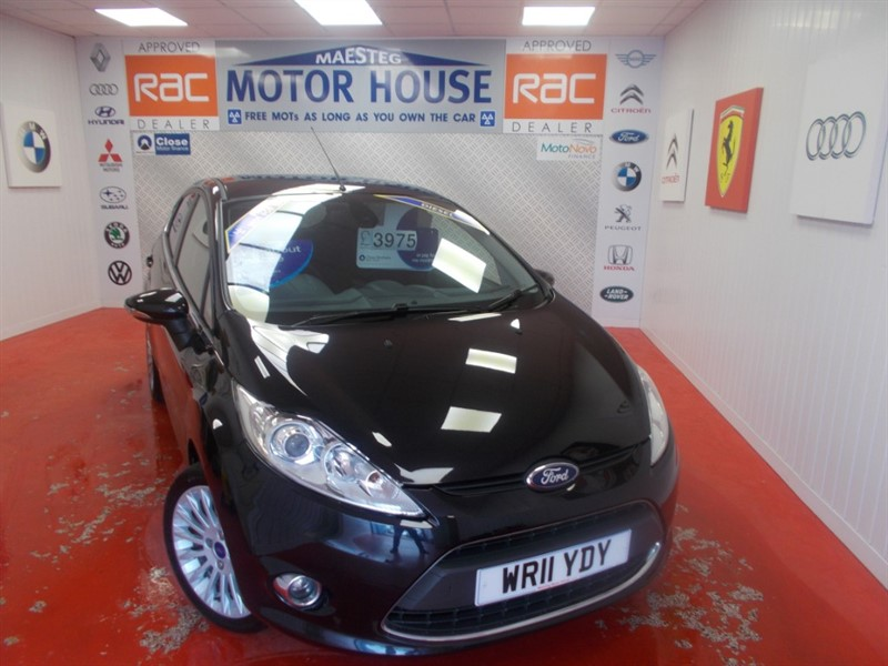 used Ford Fiesta TITANIUM TDCI (ONLY £20.00 ROAD TAX) (GREAT SPEC)  FREE MOT'S AS LONG AS YOU OWN THE CAR!!! in glamorgan