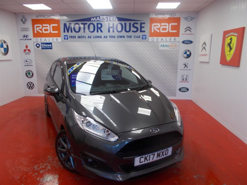 used Ford Fiesta ST-LINE(ONLY 13500 MILES) FREE MOT'S AS LONG AS YOU OWN THE CAR!!! in glamorgan