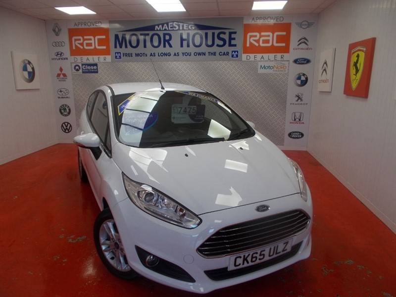 used Ford Fiesta ZETEC(ONLY 17000 MILES)FREE MOT'S AS LONG AS YOU OWN THE CAR!!! in glamorgan
