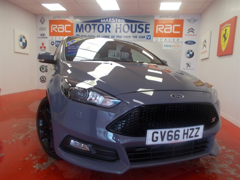used Ford Focus ST-3 (ONLY 7641 MILES AND HUGE SPEC) FREE MOT'S AS LONG AS YOU OWN THE CAR!!! in glamorgan