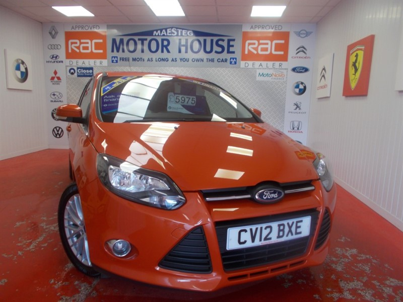 used Ford Focus ZETEC (ONLY 68000 MILES AND A MUST FOR VIEWING) FREE MOT'S AS LONG AS YOU OWN THE CAR!!! in glamorgan