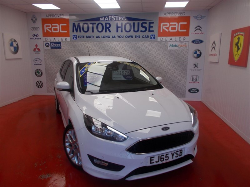 used Ford Focus ZETEC S(SAT NAV)(£20.00 ROAD TAX) FREE MOT'S AS LONG AS YOU OWN THE CAR!! in glamorgan