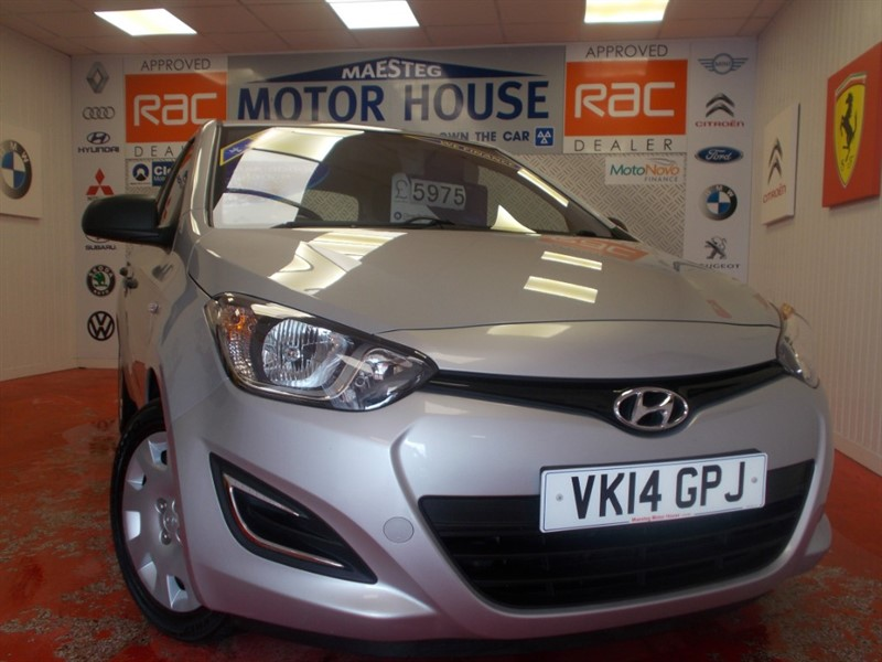 used Hyundai i20 CLASSIC (ONLY 15678 MILES AND £30.00 ROAD TAX) FREE MOT'S AS LONG AS YOU OWN THE CAR!!! in glamorgan
