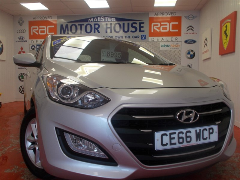 used Hyundai i30 CRDI SE BLUE DRIVE (ONLY 21836 MILES AND £0.00 ROAD TAX!!! in glamorgan
