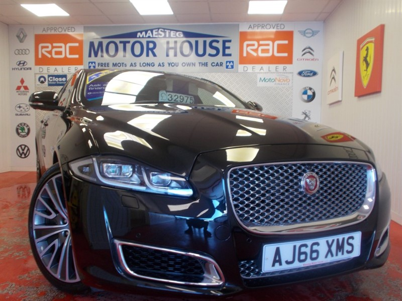 used Jaguar XJ D V6 AUTOBIOGRAPHY L (OVER £90000 NEW!!)(32793 MILES)FREE MOT'S AS LONG AS YOU OWN THE CAR!!! in glamorgan