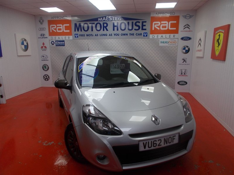 used Renault Clio EXPRESSION PLUS (ONLY 35000 MILES) FREE MOT'S AS LONG AS YOU OWN THE CAR!!! in glamorgan