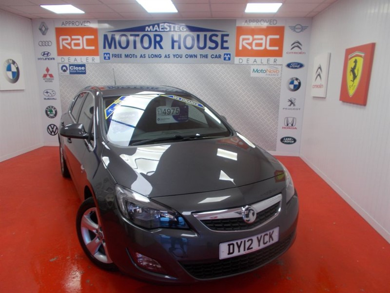 used Vauxhall Astra SRI (A MUST FOR VIEWING!!) FREE MOT'S AS LONG AS YOU OWN THE CAR!!! in glamorgan