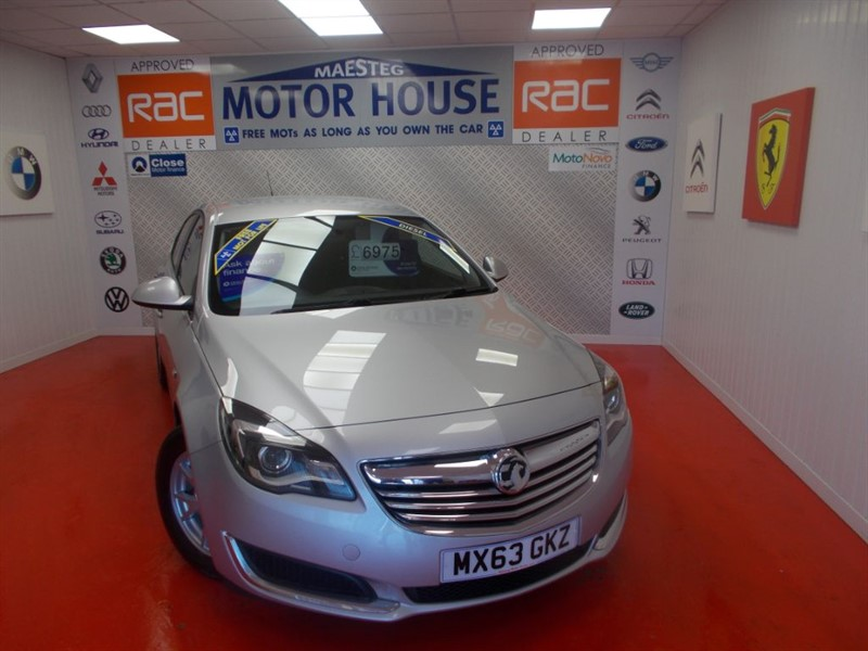used Vauxhall Insignia DESIGN CDTI ECOFLEX (£0.00 ROAD TAX)FREE MOT'S AS LONG AS YOU OWN THE CAR!! in glamorgan