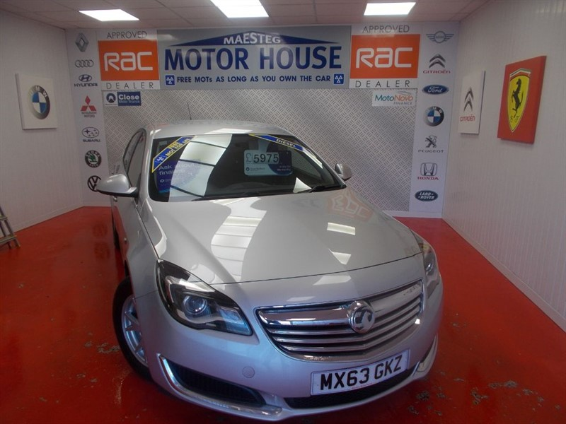 used Vauxhall Insignia DESIGN CDTI ECOFLEX(£0.00 ROAD TAX)FREE MOT'S AS LONG AS YOU OWN THE CAR!! in glamorgan