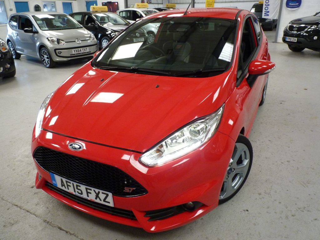 used Ford Fiesta ST-2 1.6 180BHP + SVS HIST + MAY 19 MOT + STUNNING in sheffield