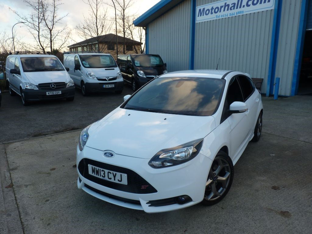 used Ford Focus ST-2 TURBO + SERVICE HIST + JUNE 19 MOT + 2 KEYS + BT/AC/P SENS + RECAROS in sheffield