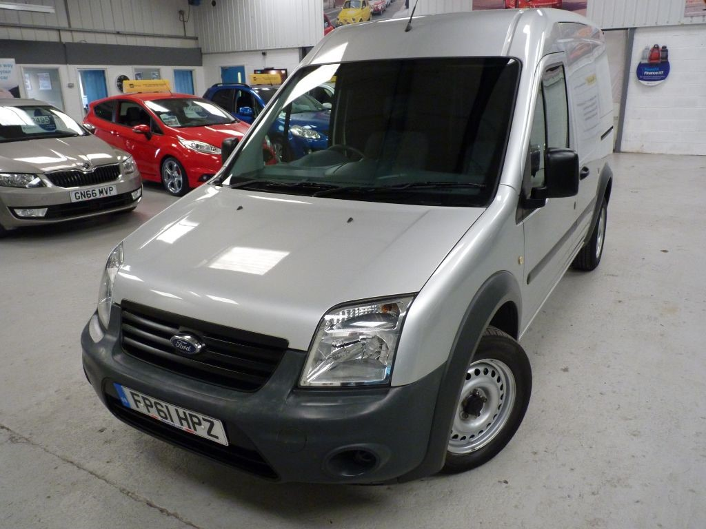 used Ford Transit Connect T230 HR 1.8 TDCI + JUST SVS + JAN 19 MOT + BT in sheffield