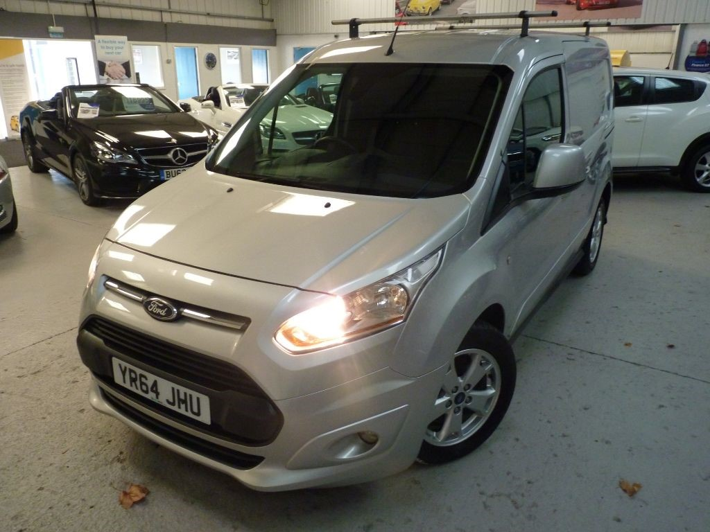 used Ford Transit Connect 200 LIMITED 1.6 TDCI + JUST SVS + OCT 19 MOT + BT/EW/AC/H SEAT/DAB/P SENS  in sheffield