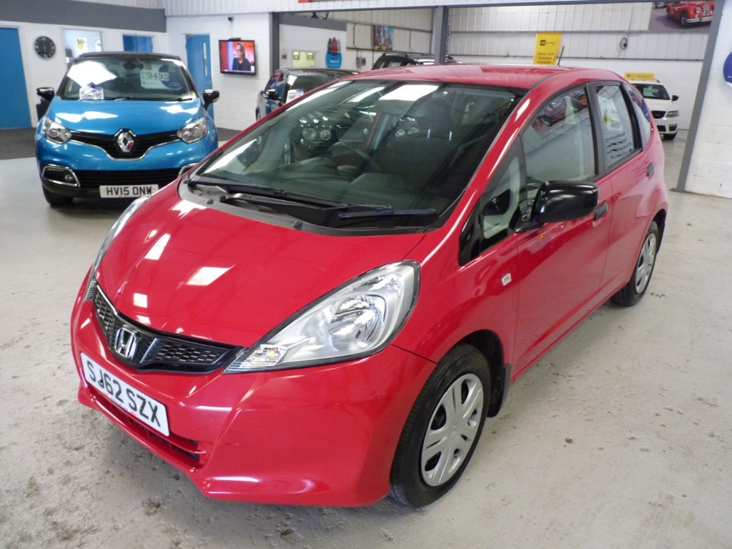 used Honda Jazz I-VTEC S AC + 5 SERVICES + JUST SERVICED + MARCH 20 MOT + 2 KEYS in sheffield