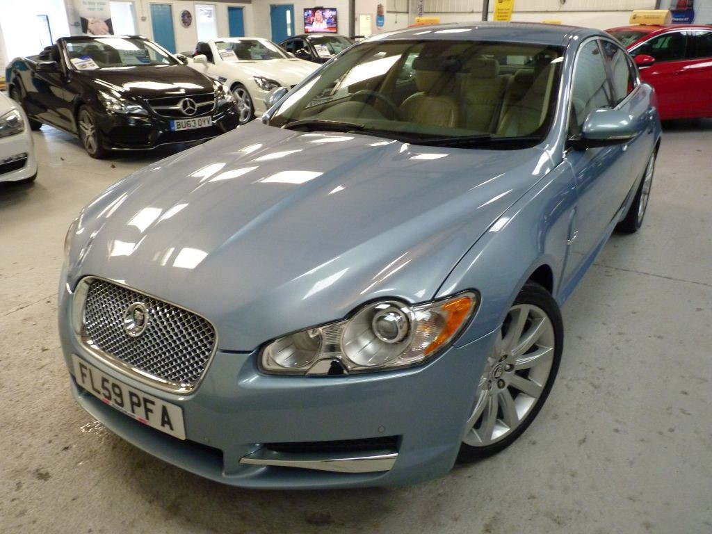 used Jaguar XF V6 PREMIUM LUXURY + SERVICE HISTORY + OCT 19 MOT + NAV + BT + H SEATS in sheffield