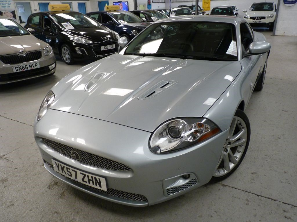 used Jaguar XKR XKR 4.2 SUPERCHARGE + 9 SERVICES + AUG 19 MOT + STUNNING  in sheffield